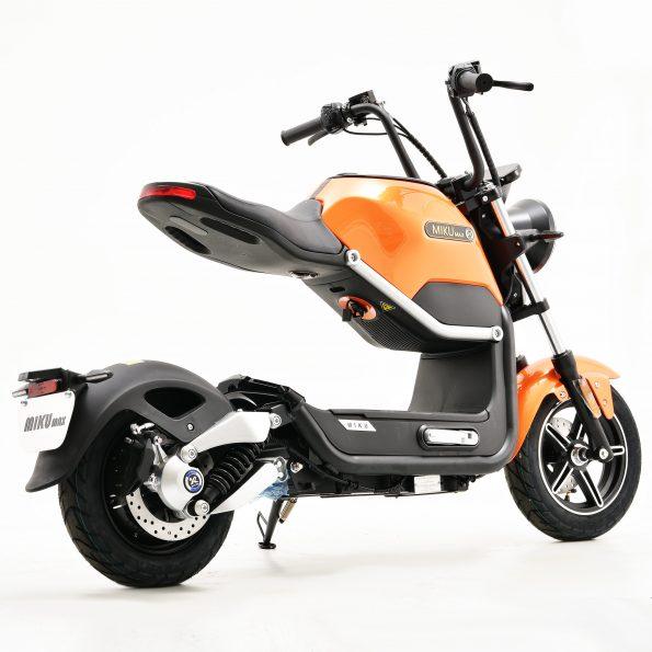 MIKU MAX Orange E Scooter 2 595x595 - MIKU-MAX-Orange-E-Scooter-2