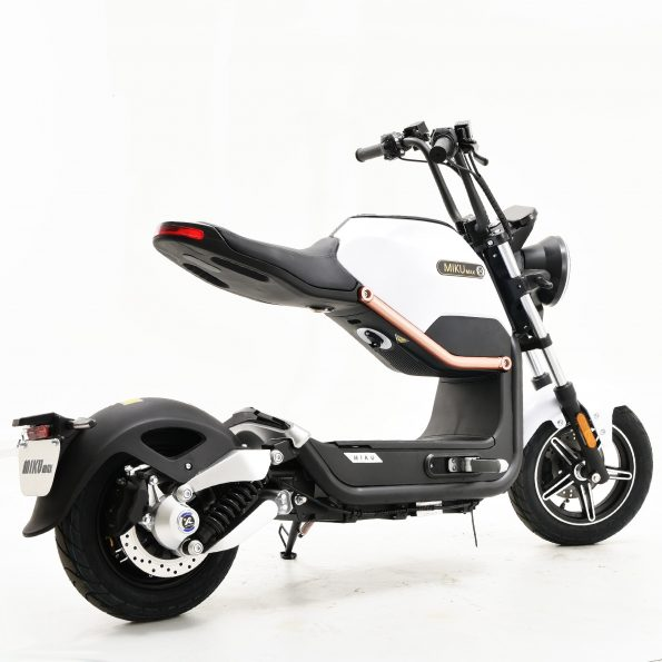 MIKU MAX White E Scooter 1 595x595 - MIKU-MAX-White-E-Scooter-1